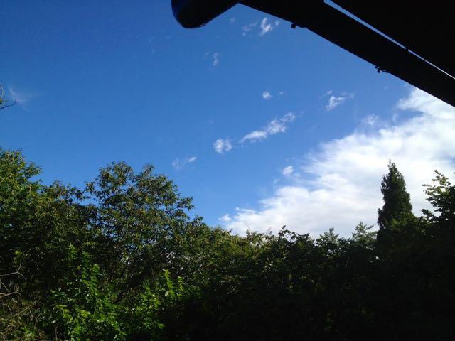 女神山の青空