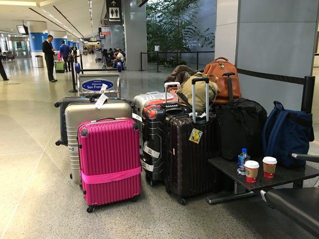 サンフランシスコ空港到着荷物