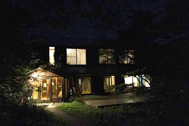 夜の女神山ライフセンター