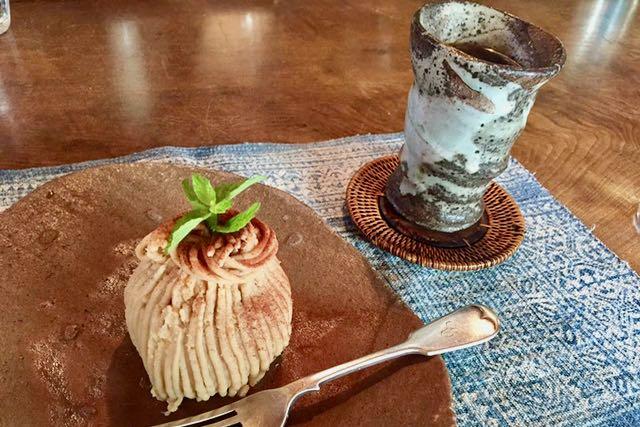 女神山のカフェ パニのモンブラン